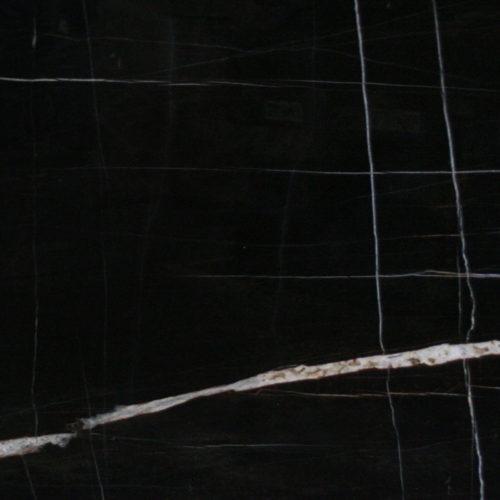 Zahara St. Laurent