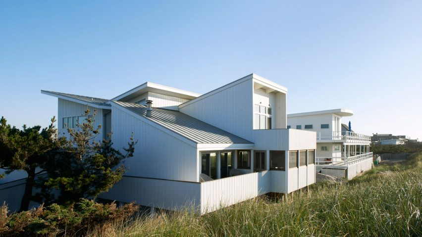 Fire Island House by Delson OR Sherman Architects was designed to withstand hurricanes and did
